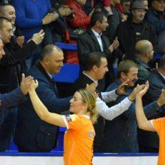 Viceprimarul Cristian Niculae și-a trimis subordonații prin țară să caute modele de finanțare a handbalului!