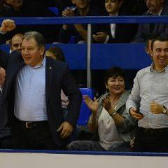 Consiliul Județean acoperă și partea Primăriei din bugetul echipei de handbal!