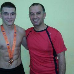 E cadet și se va bate cu juniori! Andrei Scuturici, calificat la naționalele de lupte greco-romane!