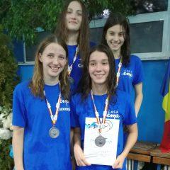 Înot: Ruxandra Brehar, triplă medaliată la Campionatele Naționale! Ștafeta, două medalii pentru Casa Ema!