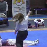 Ce lovitură! Vezi un KO spectaculos la Cupa Ilyo! Clubul lui Muti, 35 de medalii! (VIDEO/FOTO)
