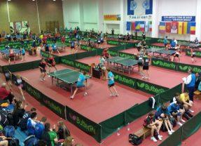 Tenis de masă: Sportivi din 10 țări se bat pentru Cupa Bistrița, în memoria lui Gheorghe Bozga!