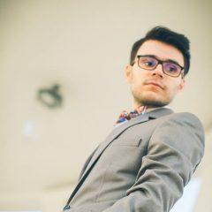 Joc la boloboc: Avancronica unei zile echilibrate, de Mihai Oprea