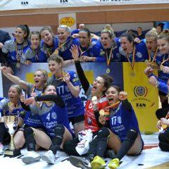 FOTO: Trofeu de consolare! CSM București își salvează sezonul prin cupa de la Bistrița!