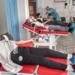 Nu joacă, dar nici nu pot sta pe margine! Fotbaliștii bistrițeni au donat sânge!