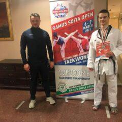Taekwondo: Marius Muti și ai lui, evoluții bune în Bulgaria! Argint pentru Mihai Bura la Sofia!