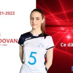Volei: O bistrițeancă de 15 ani a prins lotul mare al celei mai bune echipe din România!